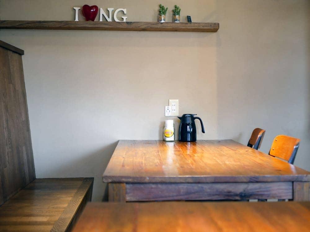 イングのテーブル&ソファー席