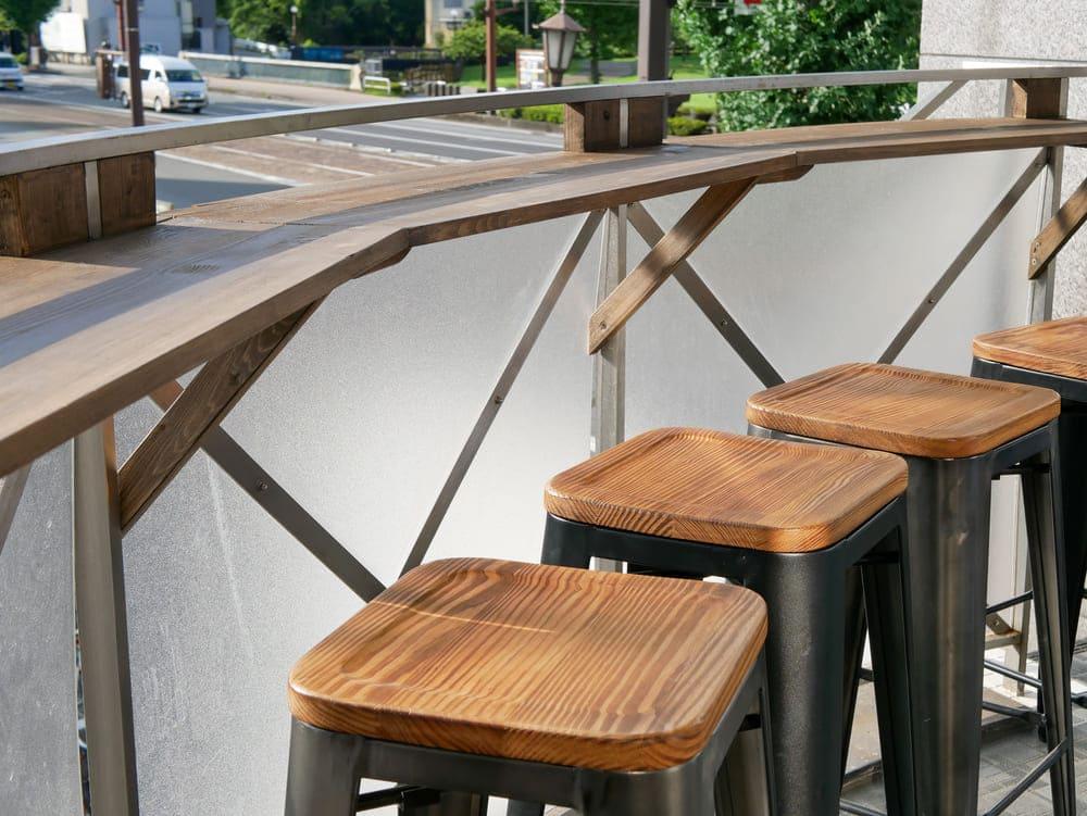 茶林堂のテラス席