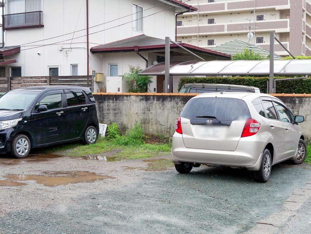 ラーメン樹の裏手駐車場